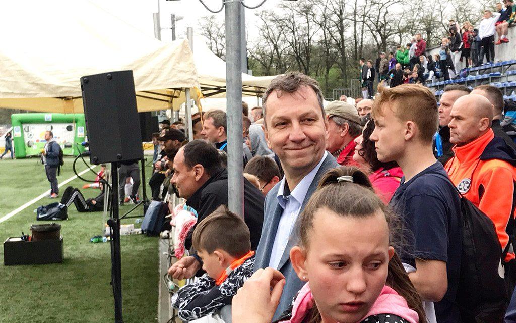 Andrzej Halicki, kandydat Koalicji Europejskiej do Parlamentu Europejskiego na stadionie KS Drukarz