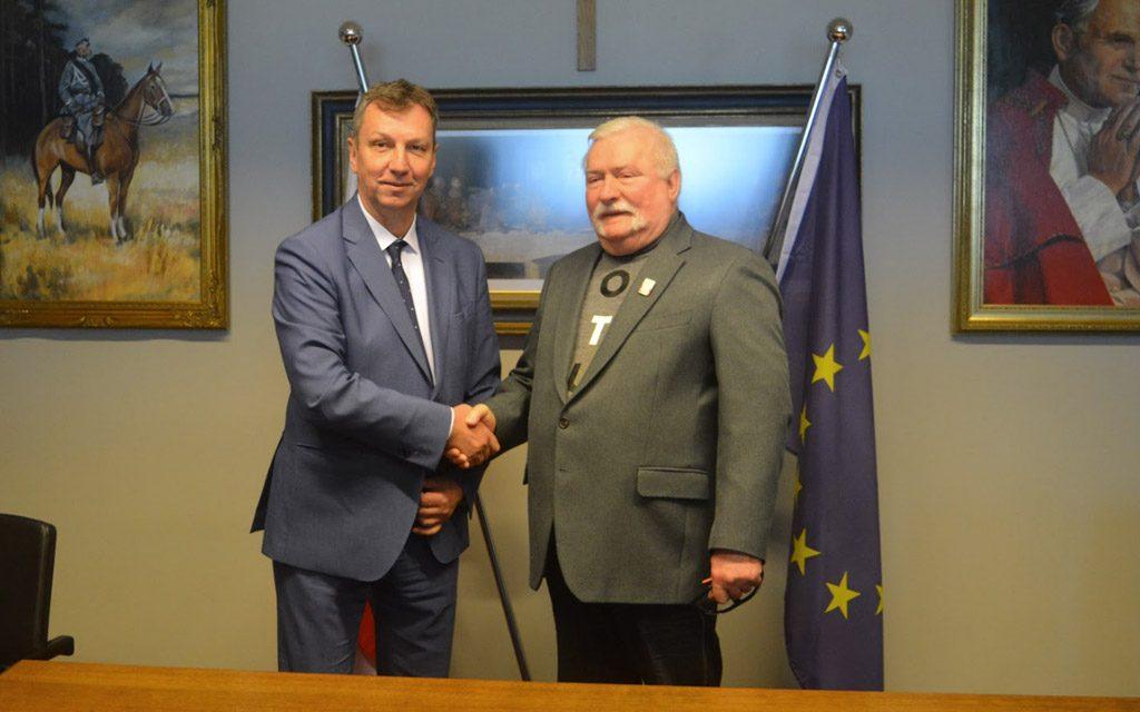 Lech Wałęsa popiera Andrzeja Halickiego